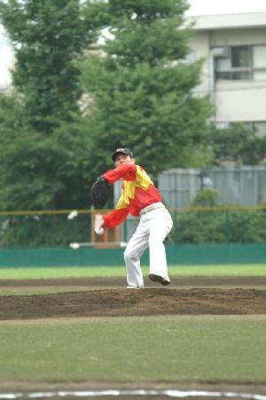 04 佐々木竹見元騎手による始球式1.JPG