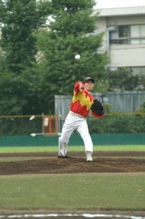 05 佐々木竹見元騎手による始球式2.JPG