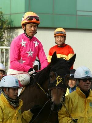 100127-09R-11-内田利雄騎手-2