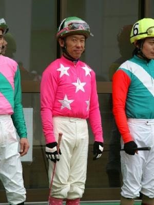 100128-07R-07-内田利雄騎手-1