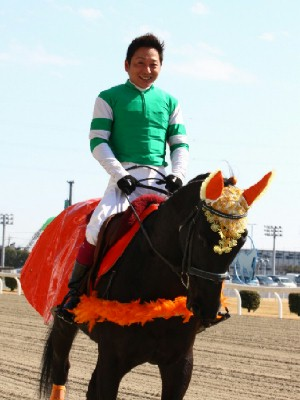 120219ポニーレースin川崎-誘導馬騎乗は今野忠成騎手-03