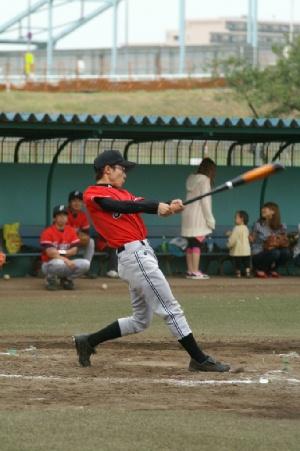 16 四回表 1番町田騎手内野安打で出塁.JPG