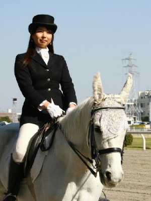 川崎競馬の誘導馬 4月開催 コスプレ無しVer 4