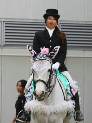 川崎競馬の誘導馬04月開催 桜Ver トライアンフトーチくん