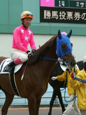 100128-03R-12-内田利雄騎手-2