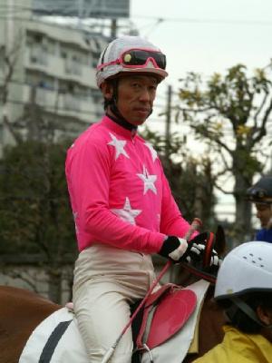100128-08R-01-内田利雄騎手-1