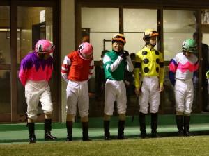 101119川崎ジョッキーズカップ_騎手整列-3