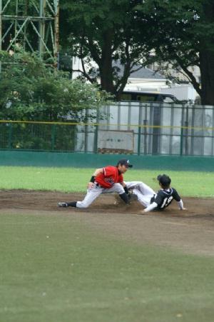 12 三回裏 四球で出塁の石川騎手が盗塁.JPG