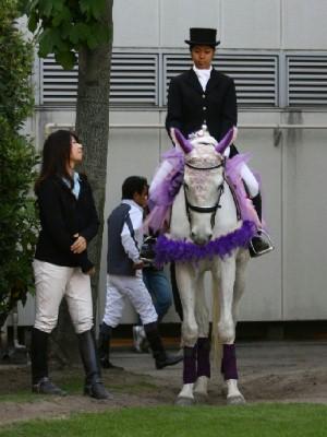 川崎競馬の誘導馬 5月開催 藤Ver ユーちゃん 1
