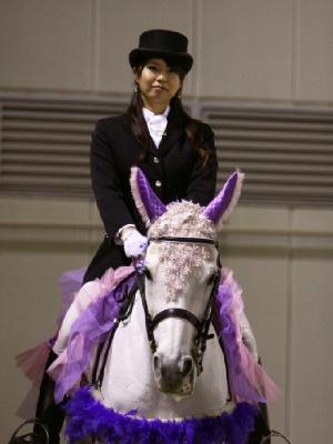 川崎競馬の誘導馬 5月開催 藤Ver ユーちゃん 5
