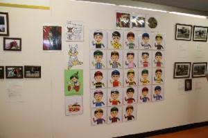 金沢競馬全ジョッキーの切り絵作品展示